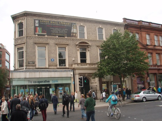Voorgevel Linen Hall Library, Belfast (2013)