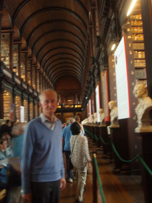 Hans Krol in Trinity College Library Dublin (2013)