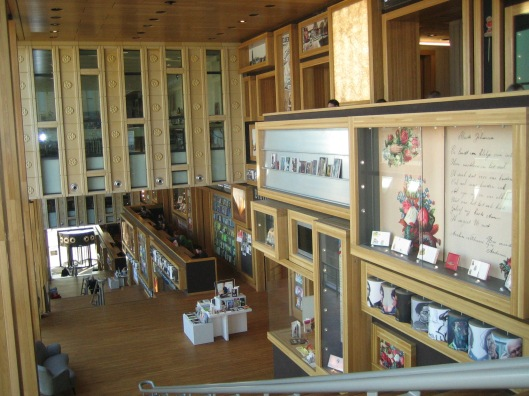 Interieurfoto van bibliotheek Arnhem