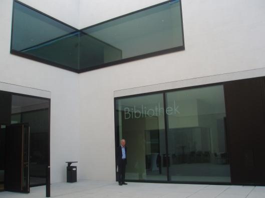 Hans Krol voor de op 20 september 2014 te openen bibliotheek van het Westfälisches Landesmuseum für Kunst und Kultur in Münster