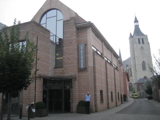 Hans Krol voor huidige stedelijke bibliotheek van Mechelen, 12-11-2015