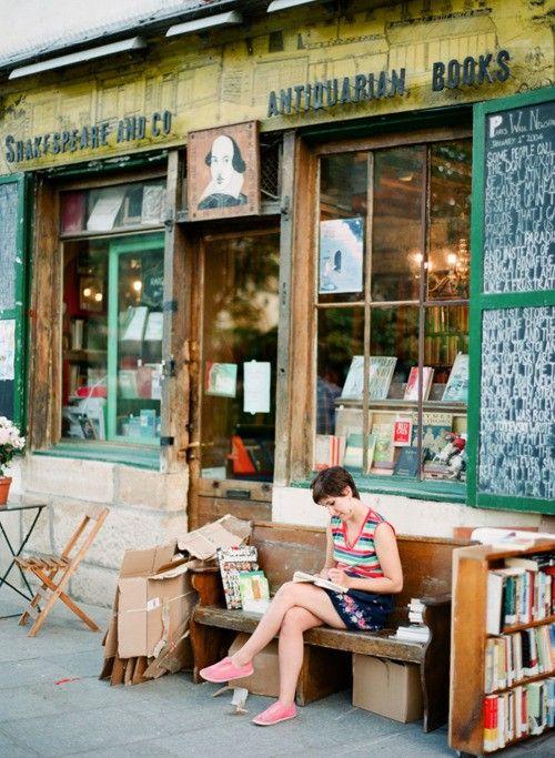 Lezen voor het antiquariaat Shakespeare and Company, Parijs
