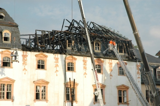 Het gebouw van de Anna Amalia Bibliothek na de brand