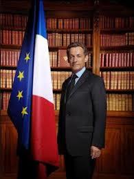 Sarkozy in de Elysee-bibliiotheek