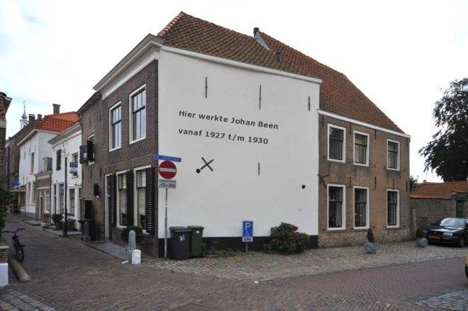 Het archiefgebouw in Brielle waar jeugdboekenschrijver van 1927 tot 1930 als archivaris werkzaam was (foto R.G.Meyer)