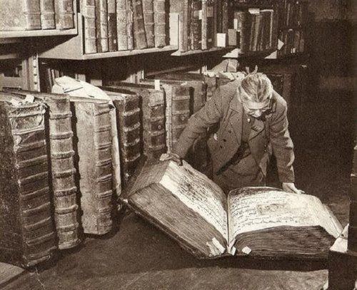 Folianten in archiefbibliotheek kasteel van Praag (foto M.Peterka)
