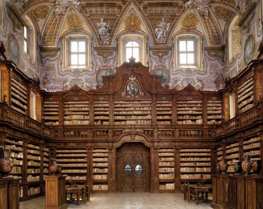 Interieur Biblioteca Giralomini, Napels