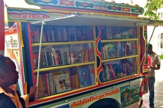 Mobiele bibliotheek in Haïti (Laure Mousset)