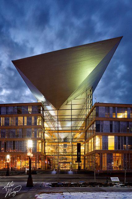 Hennepin County Library, Minneapolis (Alex Noriega)