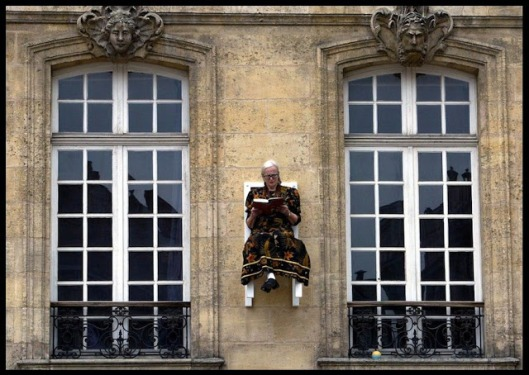 Angie Hiesl promoot de boekenbeurs van Bordeaux (Andrei Vermeiren)