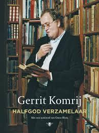 Gerrit Komrij op de voorzijde van zijn boek 'Halfgod verzamelaar'