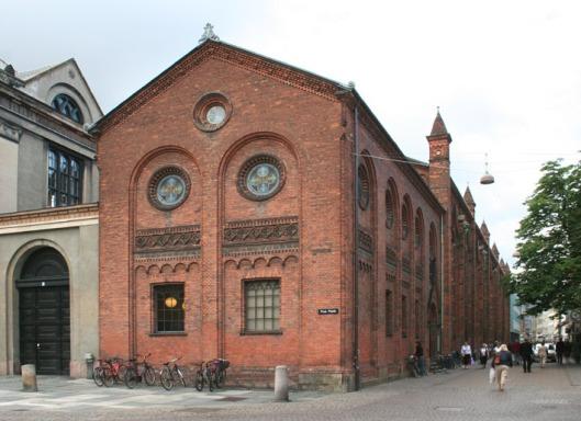 Exterieur Universiteitsbibliotheek Kopenhagen, tussen 1855 en 1861 gebouwd onder architectuur van J.D.Herholdt