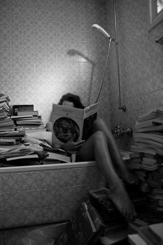 Lezen met boeken in bad