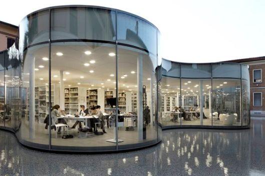 MABIC bibliotheek in Maronello, ontworpen door Andrea Maffei Architecten, Italië