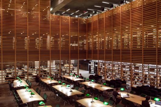 Interieur van de grote bibliotheek van Montreal
