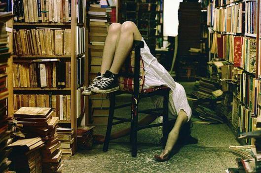 Op zoek naar het onderste boek (Improbables Libraries, Improbables Bibliothèques)