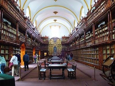 Kloosterbibliotheek Palafoxiana, Puebla, Mexico