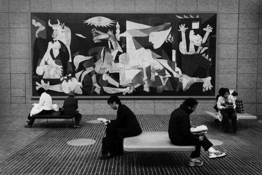 Lezen in plaats van kijken naar Picasso (Kazuhiro Yokozeiki)