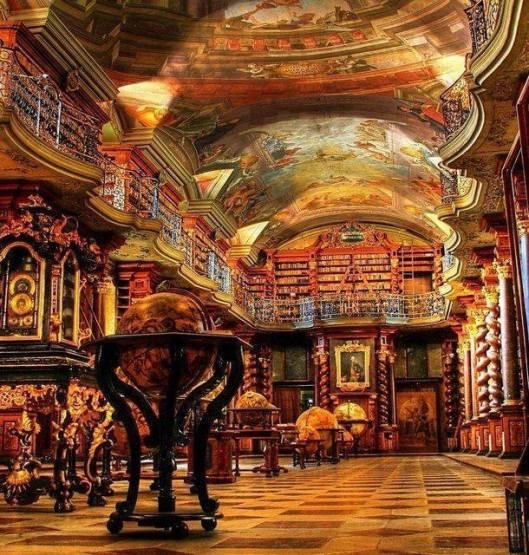 Interieur van nationale Bibliotheek Klementinum in Praag, gesticht in 1781