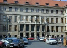 Hoofdgebouw van de openbare bibliotheek in Praag, Tsjechië