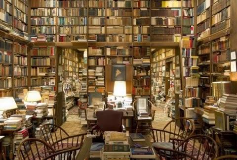 Een van de grootste privébibliotheken is die van professor Richard A.Macksey, emeritus hoogleraar vergelijkende literatuurwetenschap aan de John Hopkins Universiteit in Maryland. De collectie omvat meer dan 75.000 boeken