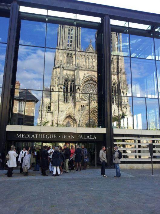 Médiathèque van Reims nabij de kathedraal (Mam Goz)