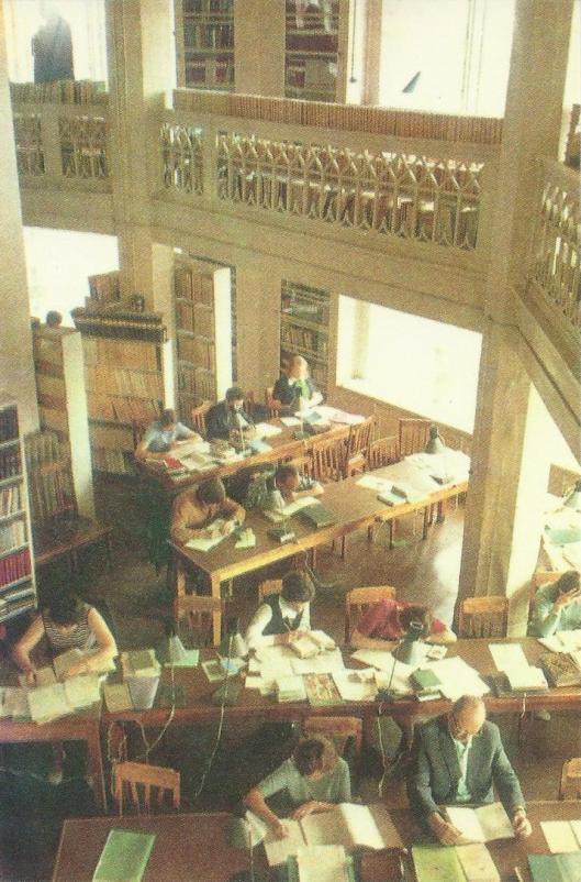 Leeszaal van de wetenschappelijke bibliotheek van de universiteit in Tartu, Estland