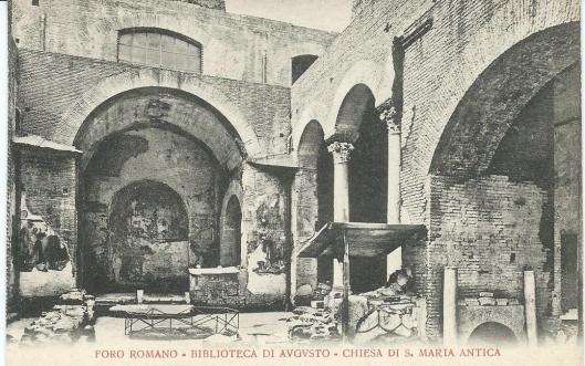 Vm. bibliotheek van Augustus in het Forum Romanum, in de ruïne van de oude kerk van de H.Maria