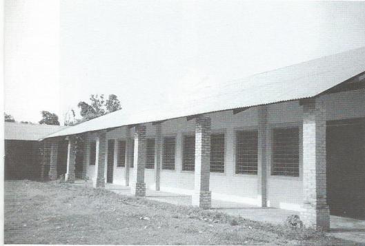 De bibliotheek van Bamanya, Congo [Uitgelezen boeken, jrg.7, nr.3, februari 1999]
