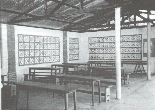 Leeszaal van de bibliotheek in Bamanya, Congo