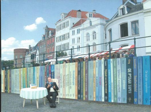 Lezen in boekenstad Deventer (fotografie en beeldbewerking reclamestudio Artpollo)