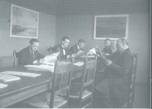 Krantenzaal van de gemeentelijke openbare bibliotheek Rotterdam omstreeks 1935