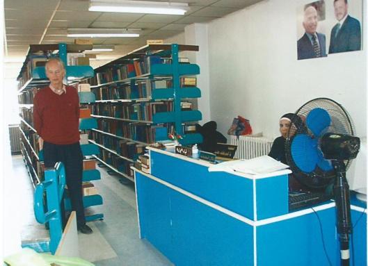 Hans Krol in openbare bibliotheek te Amman, Jordanië, 2008