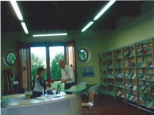 Hans Krol ontving in de openbare bibliotheek van Montecatini een fraai geïllustreerd boekwerk: 'Montecatini Spa and Garden City'. Skyra, 2002.