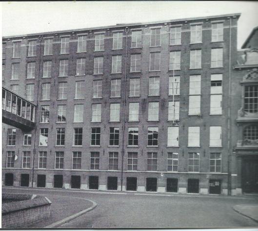 Vm. magazijn van de Koninklijke Bibliotheek in de Kazernestraat Den Haag