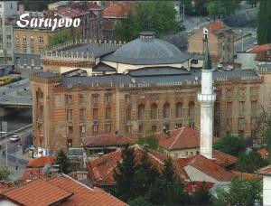 De nationale Bibliotheek van Bosnië in Sarajevo nog in volle glorie