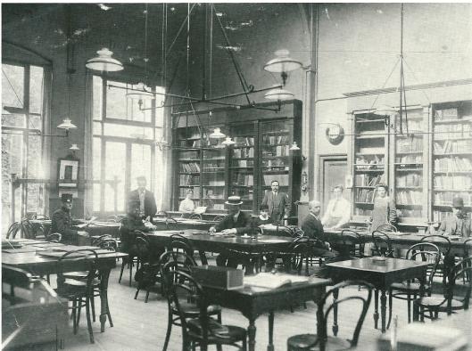 Leeszaal openbare bibliotheek Utrecht na verhuizing in 1912 naar de Voetiusstraat