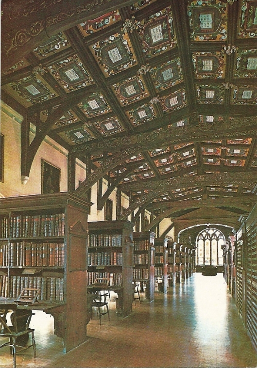 Bodleian University Library, Oxford: Duke Humfrey's library, looking west. Restoren in 1963