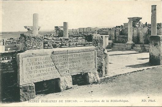 Steen met inscriptie voor de bibliotheek van Timgad