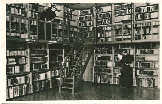 Vm. Capucijner kloosterbibliotheek in 's- Hertogenbosch