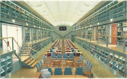 Leeszaal van bibliotheek Castilla-La Mancha in Toledo, Spanje