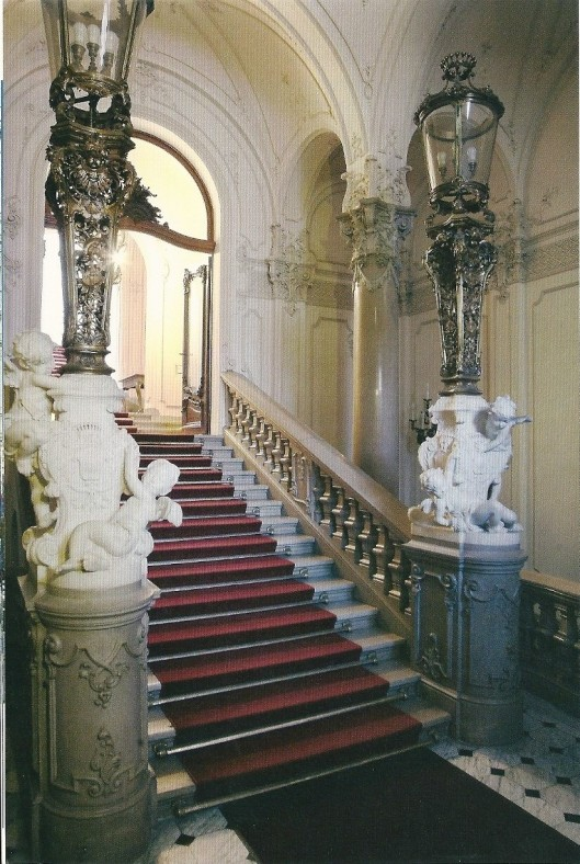 Trappenhuis Ervin Szabó stadsbibliotheek Budapest