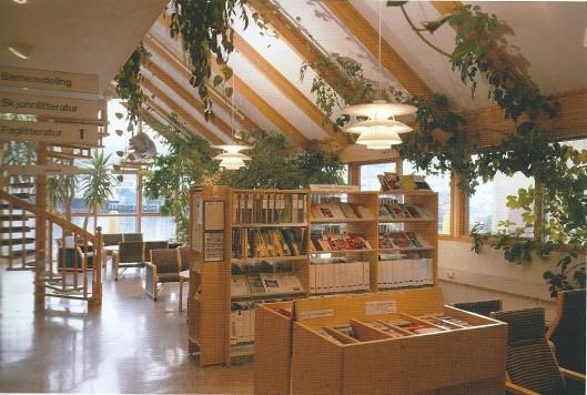 Interieur van openbare bibliotheek Hammerfest, Noorwegen