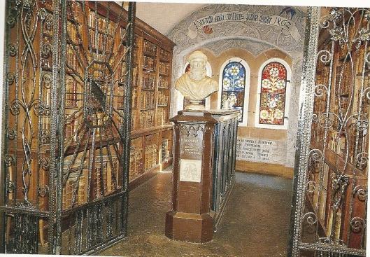 De ruim 750m banden omvattende bibliotheek van de humanist Beatus Rhenanus in de humanistische bibliotheek van Sélestat (Schlettstadt), Frankrijk