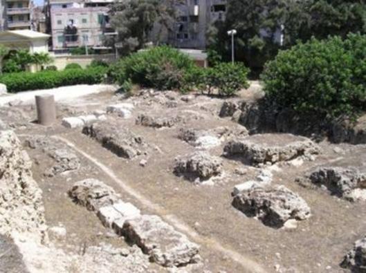 Nog een foto van uitgegraven Serapeion tempelcomplex in Alexandria