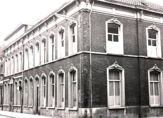 Hierna volgde huisvesting van r.k.openbare leeszaal en bibliotheek Tilburg aan de WILLEM II-straat tot 1972