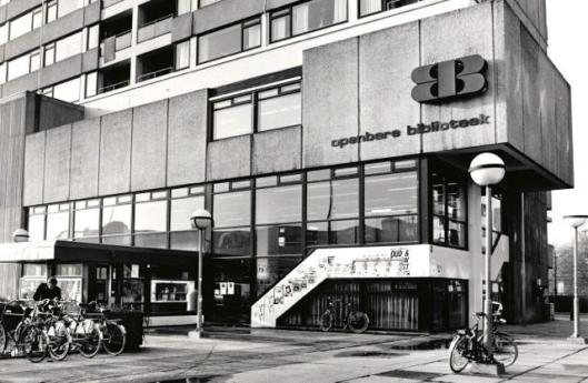 Van 1972 tot 1992 was de openbare bibliotheek Tilburg gehuisvest in een kantoorgebouw aan het Koningsplein
