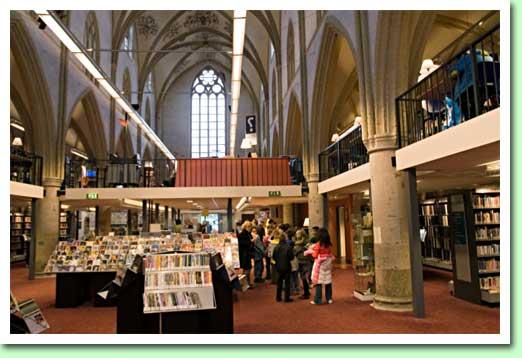 Openbare bibliotheek in vm. Broerenkerk Zutphen (2008)