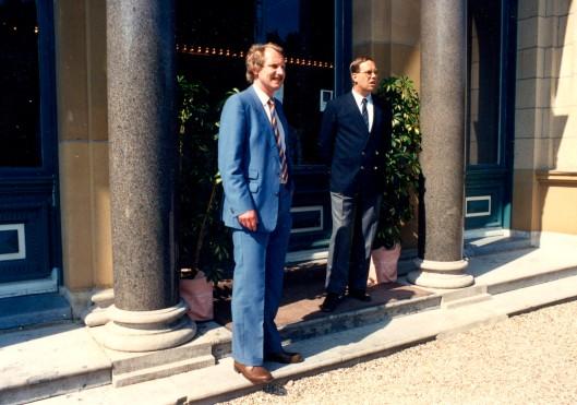 Links dr.H.J. van Alphen, directeur beheer van 1989-2002 en dr.B.J.C.M.de Vet, directeur patiëntenzorg van 1989-1998