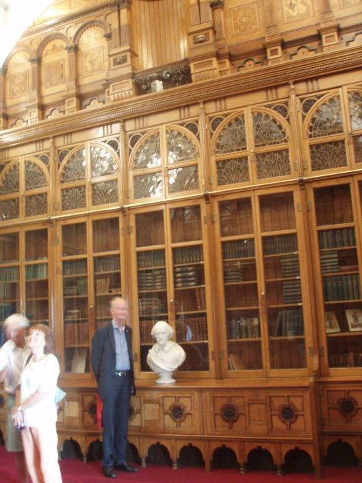 Hans Krol in de naar de negende verdieping overgebrachte Shakespeare library in juni 2014